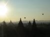 Pagoden Panorama kurz nach Sonnnenaufgang in Bagan